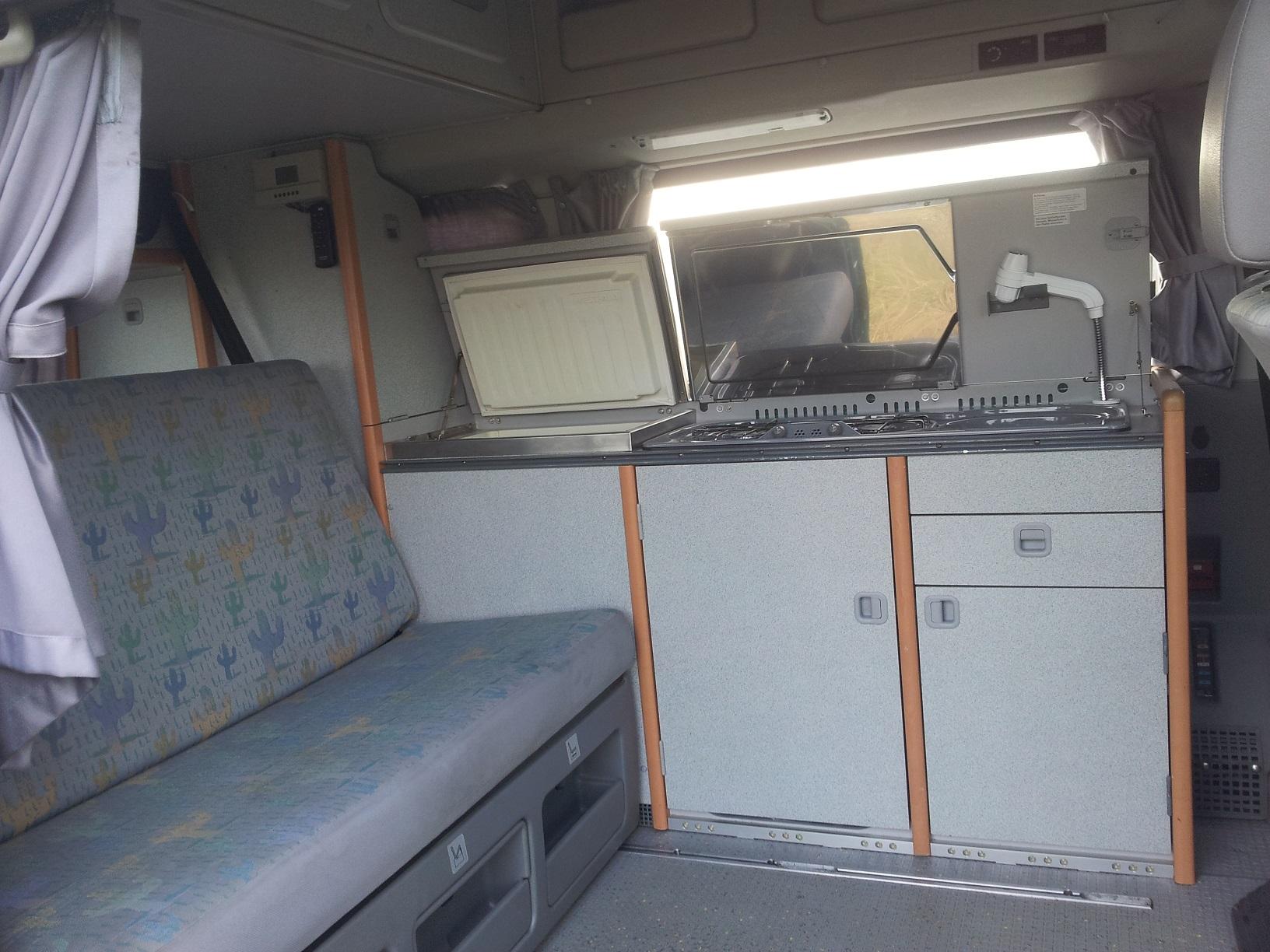 campingbus mieten und ab in den urlaub. Black Bedroom Furniture Sets. Home Design Ideas