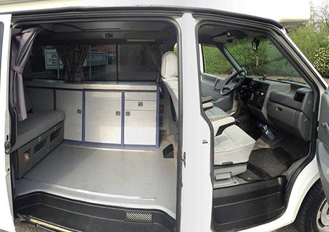 wohnmobil f r 2 personen vw camper mieten. Black Bedroom Furniture Sets. Home Design Ideas